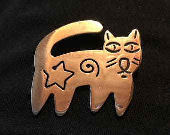 Whimsical vintage sterling silver cat pin