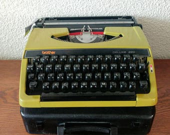 Vintage typewriter Brother Deluxe 220 working condition