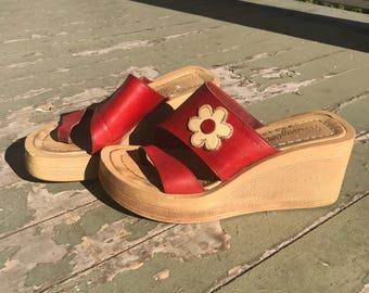 1970s Vintage Sandals Wrangler Wedges Platforms Red Daisy 5 / 6 UK