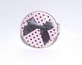 Adjustable silver ring and black bow cabochon and pink polka dots