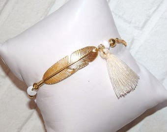 Fine minimalist plated bracelet with his feather and Crystal beads faceted white