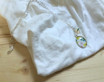 Gentle Floral Cameo Necklace
