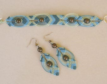 Bracelet and earrings with metal beads