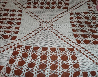 Pink/Cream Vintage Doily Table Runner Handcrafted