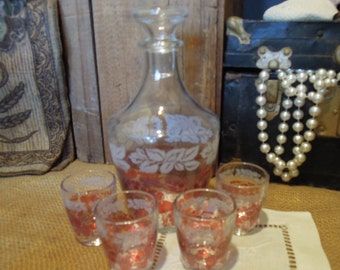 Vintage French Decanter with Shot Glasses / Vintage Glass Decanter / Vintage Liquor Decanter