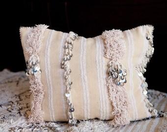 MOROCCAN PILLOW #263, Moroccan Wedding Blanket Pillow, Moroccan Cushion, Vintage Pillow, Decorative Pillow, Handira Pillow, Moroccan Pillows