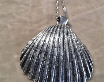 Sterling Silver Vintage Shell Necklace