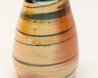 swirl vase, ceramic vase, stoneware vase, porcelain vase, pottery vessel, soda fired vase, wheel thrown vase