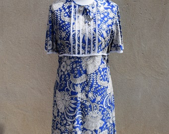 Vintage blue and white paisley print dress, size large