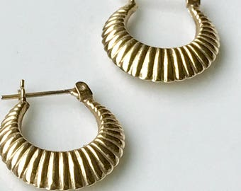 Gold Hoop Earrings, 14k Gold Hoop Earrings, Small Gold Hoop Earrings, Huggie Earrings , Huggie Hoop Earrings