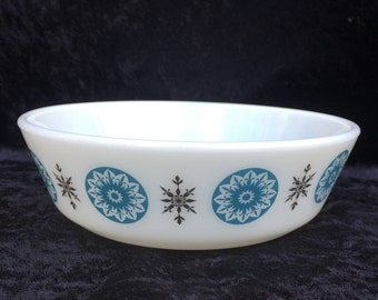 """FREE SHIPPING Fleur De Lys Pyrex Cereal Bowl, 1969-1970, Immaculate, 5 Available, 6.25"""" x 1.75"""", James A Jobling JAJ Opalware Milk Glass"""