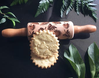 TROPICAL LEAVES, SMALL rolling pin, embossing rolling pin, engraved rolling pin by laser, flowers, monstera, summer