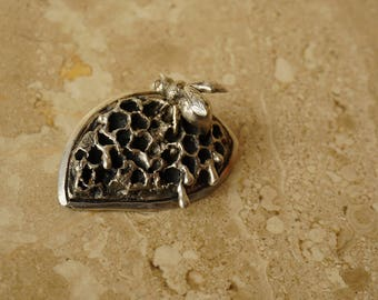 bee eye silver necklace . save the bees, oxidized silver, silver necklace, animal lover, honeycomb jewelry, honeycomb necklace, honey, eye