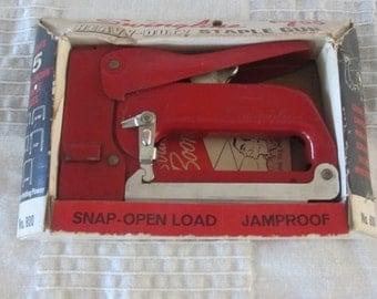 Swingline heavy duty staple gun No. 800 vintage retro with original box and staples