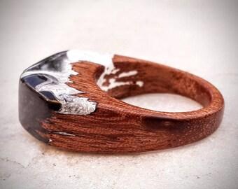 Size 9 1/4 Wood Resin Ring - Black & White