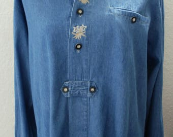 Chic denim shirt in the traditional style (M)