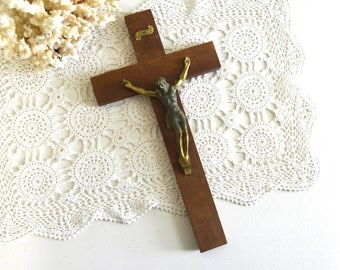 vintage wooden crucifix cross religious wall decor Jesus