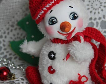 Art Doll baby snowman. The height of inches 6,69 (17 cm).
