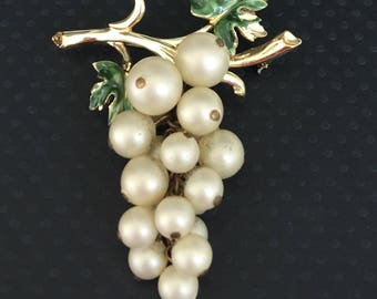 Vintage Signed Coro Bunch Of Grapes Pin/Brooch .