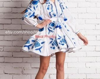 White Linen Short Dress with Embroidered Grape. Vyshyvanka Embroidered Tunic. Bohemian Dress Wedding Tunic Mini Kaftan Ukrainian Clothes