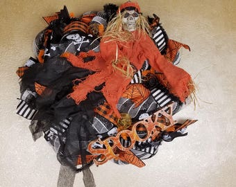 Halloween Skeleton Wreath, Ghoul Wreath, Halloweeen Decor, Skeleton Decor