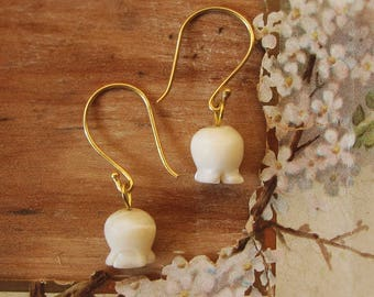 lily of the valley earrings - carved vintage mother of pearl flower beads - 24k gold vermeil hooks
