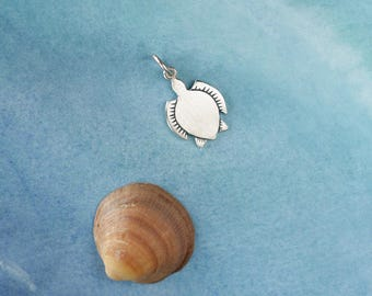 Turtle Necklace - sterling silver turtle necklace - Sea turtle pendant - Gift for her - Sea turtle jewelry - Tortuga