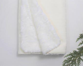 Ivory Knit Faux Fur Blanket, White Faux Fur Blanket, Baby Blanket, Gender Neutral Baby Blanket, Knit Blanket,Baby Blanket