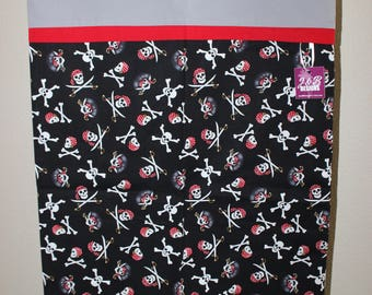 Halloween Trick or Treating Bag (Skull & Crossbones Pillowcase)