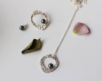 Black pearl circle long necklace
