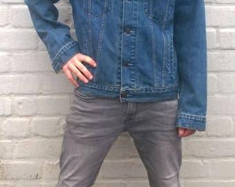 Vintage Levis jacket,  stonewashed denim levis, outdoor jacket, distressed denim, american denim workwear, Levi Strauss, M/L (TW52)