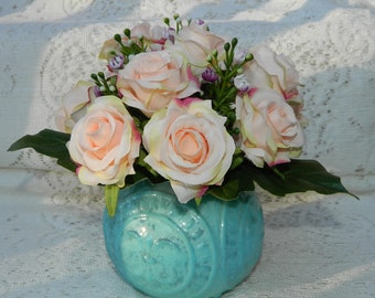 Peach Roses in Vase, Peach Floral Arrangement, Peach Floral Bouquet, Spring Floral Arrangement, Elegant, Shabby Chic, Cottage, Style, Roses