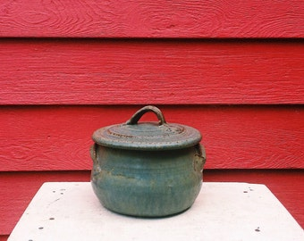 Green Lidded Casserole Dish with Handles - Stoneware