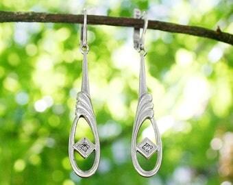 Long drop earrings Vintage silver earrings Vintage earrings Dainty earrings Long earrings Ornate earrings Vintage jewellery Earrings gift