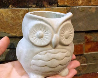 Handmade Owl Cement Concrete Planter // Desk Organizer // Air Plant Holder // Succulent Holder // Pen Holder