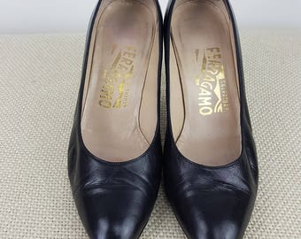 VINTAGE Salvatore Ferragamo Black Leather Pumps (5.5 C)