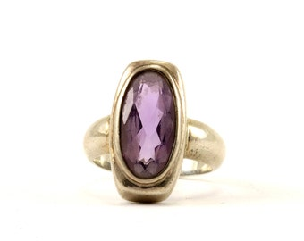 Vintage Oval Amethyst Ring 925 Sterling Silver RG 1884-E