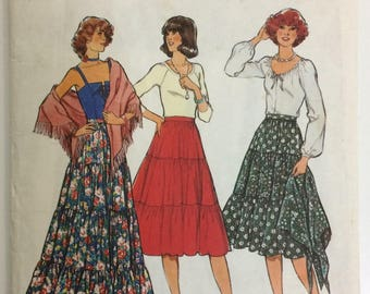 Vintage Style sewing pattern 2136 - Misses' tiered skirt and shawl