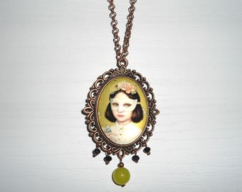 Vintage Necklace, Green Necklace, Cameo Necklace, Pendant Necklace, Pendant with Cabochon, Long Necklace.