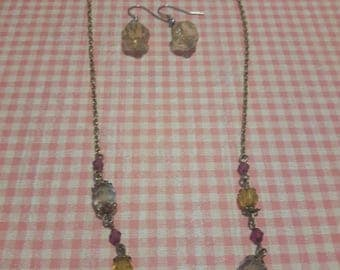 Yellowy-clear necklace and earrings kit