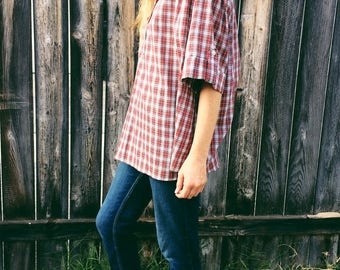 Vintage Red Plaid Short Sleeve Blouse / Women's Vintage Clothing