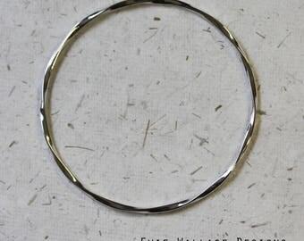 Thin Twisted Bangle / Simple Silver Bangle / Sterling Silver / 2mm Bangle / Twisted Bracelet / Minimalist Jewellery /
