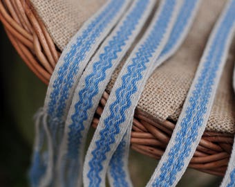 Plant dyed tablet woven trim, waves