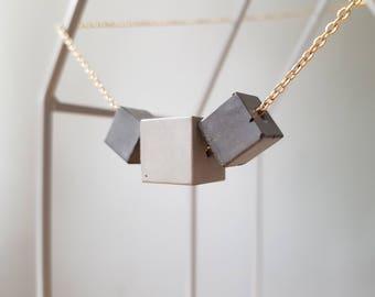 Three-chain with concrete beads Geometrics 70cm