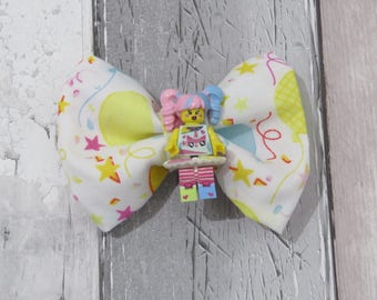 MiniFigure Birthday Celebration Girl Lego Dog Bow Tie, Dog clothing, Doggy Bow Tie, Puppy Bow Tie, Detachable Bow Tie, Slip on bow tie