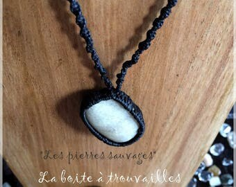 """Collection """"The wild pebbles"""" necklace in macrame"""