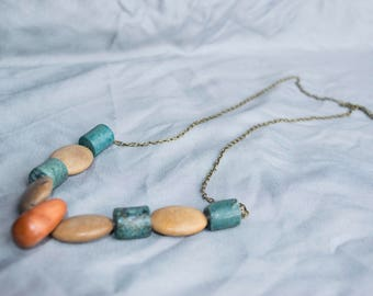 Multi-Stone Neutral Chunky Necklace