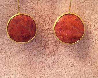Gold drop earring, red coral