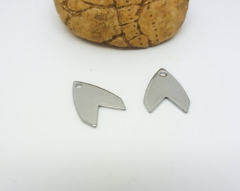 2 charms shaped arrow 16 * 11mm stainless steel (USAI09)