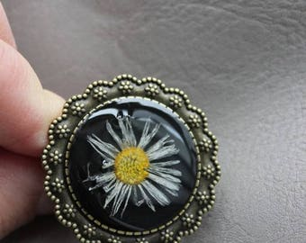 Ring round Bronze 3.5 cm in resin and dried Daisy flower